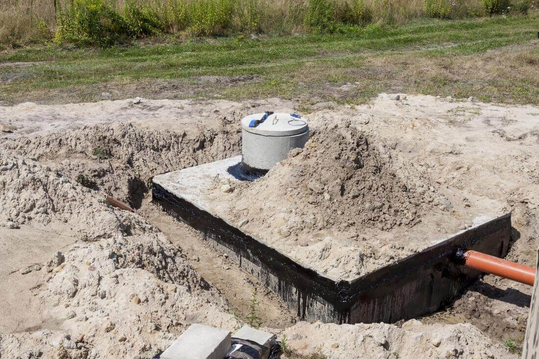 Septic Repair-Bakersfield Septic Tank Services, Installation, & Repairs-We offer Septic Service & Repairs, Septic Tank Installations, Septic Tank Cleaning, Commercial, Septic System, Drain Cleaning, Line Snaking, Portable Toilet, Grease Trap Pumping & Cleaning, Septic Tank Pumping, Sewage Pump, Sewer Line Repair, Septic Tank Replacement, Septic Maintenance, Sewer Line Replacement, Porta Potty Rentals
